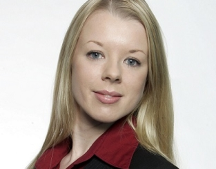 Clare Whelan </br> Sales Insights Analyst at Google
